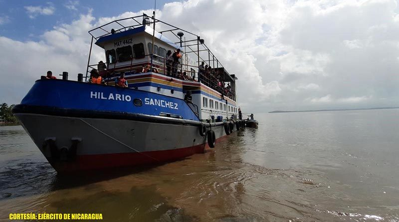 Uno de las embarcaciones atendidas por la Fuerza Naval
