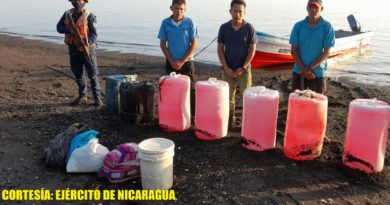 Fuerza Naval informó sobre 2 tripulantes y 1 pasajero a bordo, quienes ingresaron de manera ilegal al país, procedentes de la República de El Salvador.