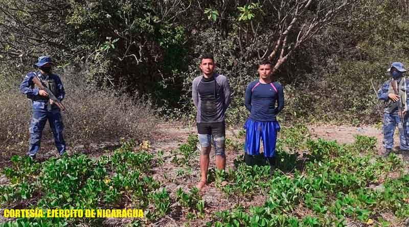 Ciudadanos salvadoreños retenidos por la Fuerza Naval
