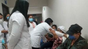 Ministra asesora para temas de Silais - Managua, Carolina Dávila, durante la visita realizada al Hospital Oftalmológico