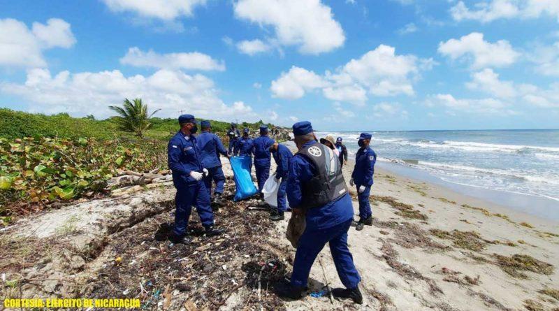 Efectivos militares del Ejército de Nicaragua durante Jornada de limpieza en Puerto El Bluff
