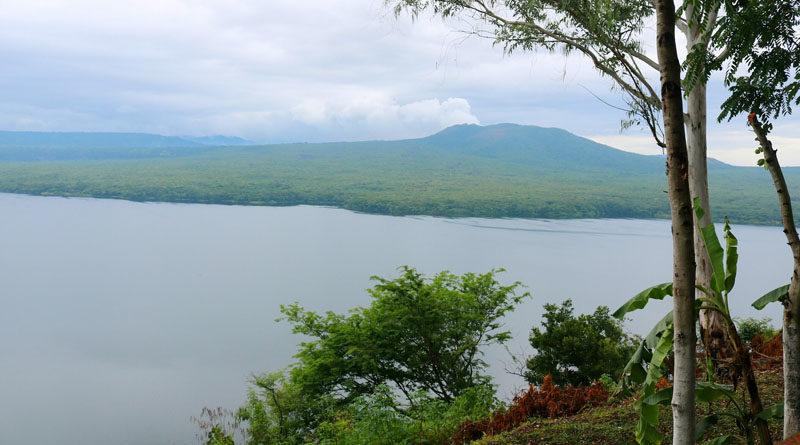 Vista de la Laguna de Masaya desde el Parque Malecón Masaya