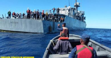 Fuerza Naval de Nicaragua coordinando entrega del náufrago colombiano