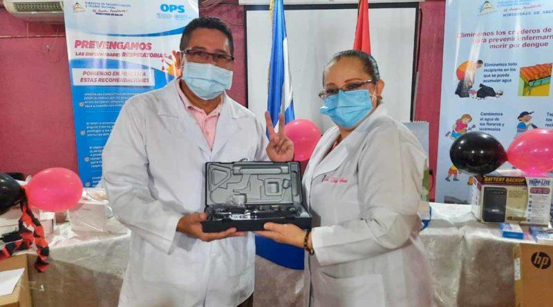 Equipos médicos siendo entregados a los delegados de cada unidad de salud de Chontales