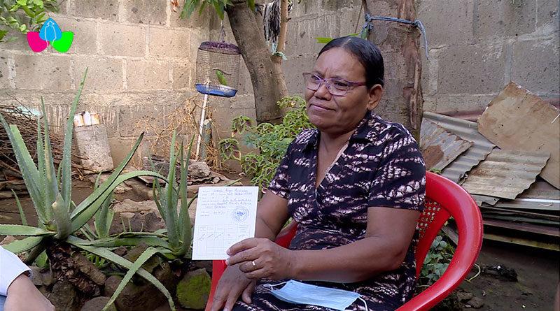 Doña Josefa Reyes Hernández de Tipitapa, Managua fue vacunada contra el Covid-19, el 2 de marzo en la Unidad de Hemodiálisis del Hospital Lenin Fonseca de Nicaragua.