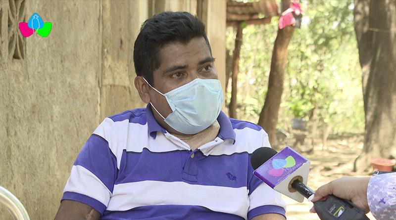 El señor Feliciano Francisco Aburto Reyes, uno de los primero en ser vacunados contra la Covid-19, con la vacuna rusa Sputnik V en Nicaragua.
