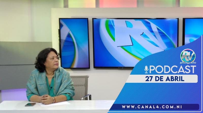 Periodista nicaragüense Tirsa Sáenz en el set del programa Revista En Vivo con Alberto Mora