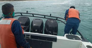Efectivos de la Fuerza Naval del Ejercito de Nicaragua recuperando cuerpo sin vida en las aguas de San Juan del Sur