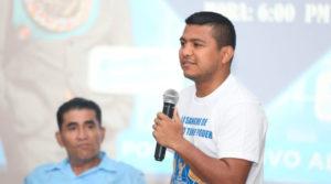 """Román """"Chocolatito"""" González durante la conferencia de prensa del Concierto de Agradecimiento este próximo 17 de abril en el Polideportivo Alexis Argüello."""