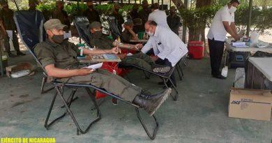 Efectivos militares del Ejército de Nicaragua durante la jornada voluntaria de donación de sangre en Estelí