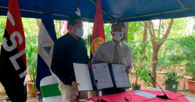 Embajador de Taiwán en Nicaragua junto al ministro asesor de la presidencia para temas de educación Salvador Vanegas