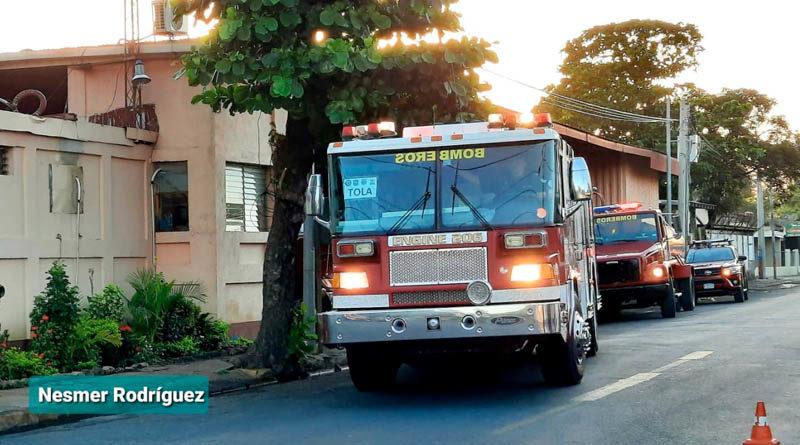 Nuevos camiones de bomberos que fueron trasladados hacia el municipio de Tola