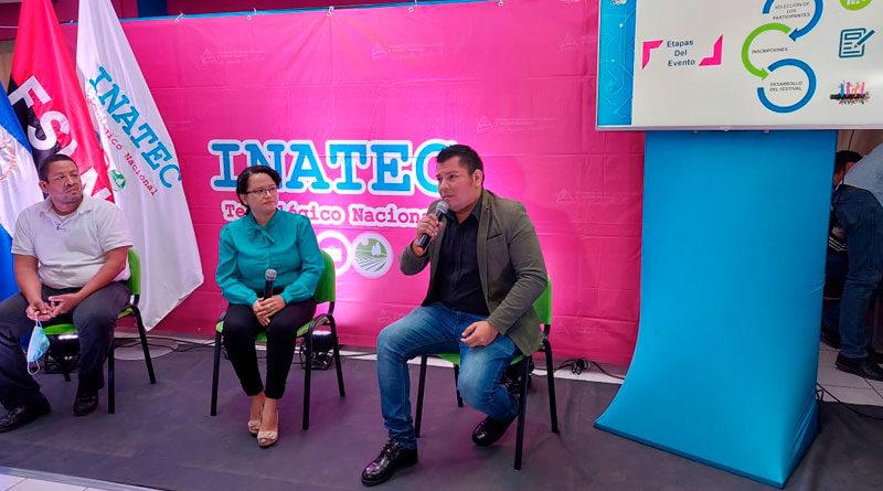 Autoridades del Instituto Nacional Tecnológico (INATEC) en el lanzamiento del Primer Festival Nacional de Ingles.