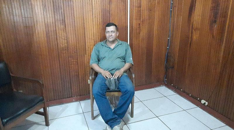 El sujeto Samuel Antonio Miranda González, de 41 años de edad, quien conducía la camioneta marca Hilux, color plateado, placa M313359, autor del delito de maltrato animal en Acoyapa.