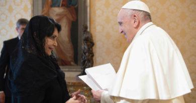 Compañera Elliette Ortega S., nueva Embajadora de Nicaragua ante la Santa Sede, entrega las Cartas Credenciales a Su Santidad, Papa Francisco.