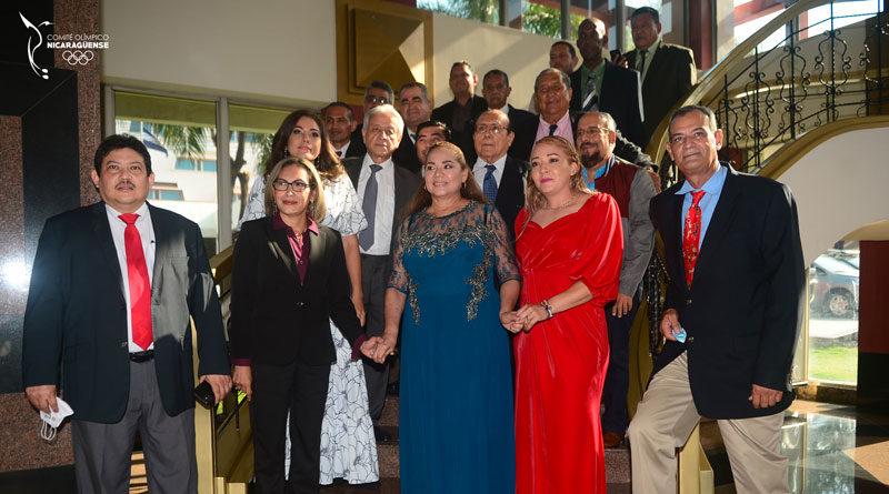 Desde el Crown Plaza, las 12 nuevas leyendas que ingresaron al Salón de la Fama del Deporte Nicaragüense.