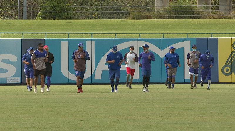 Jugadores de Preselección de Nicaragua durante un entrenamiento en el Estadio Nacional de Managua de cara al Preolímpico de las Américas.