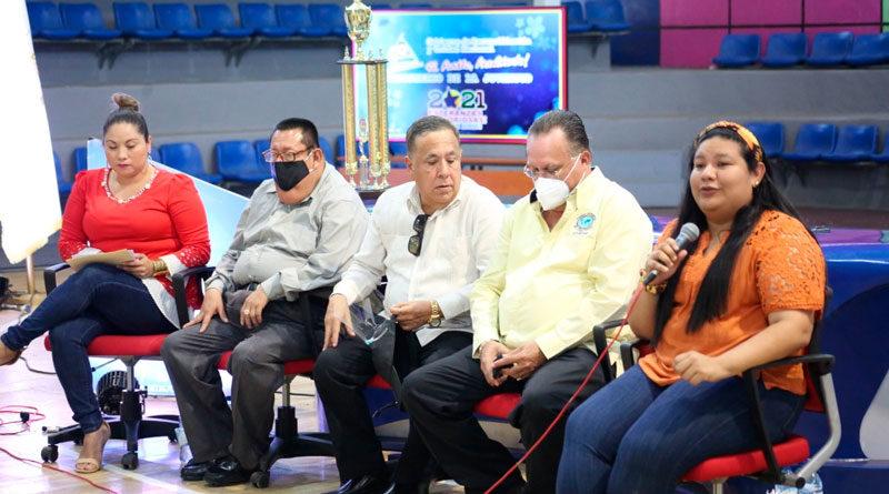 Representantes de universidades privadas de Nicaragua junto a representantes de el Ministerio de la Juventud