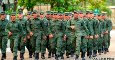 Soldados del Ejército de Nicaragua movilizándose en bloque