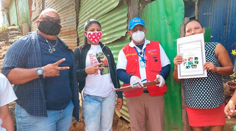 Familias del barrio Alexis Argüello reciben Títulos de Propiedad de sus viviendas, por parte de la Procuraduría de la República.