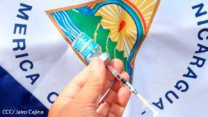 Vacuna contra el Covid-19 con la Bandera de Nicaragua