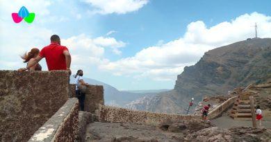 Familias nicaragüenses disfrutan del Parque Nacional Volcán Masaya.