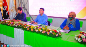 Enrique Armas Rosales, Vicealcalde de Managua, impartiendo el taller acción ambiental