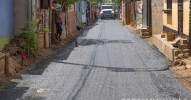 Alcaldía de Managua asfaltando una de las calles del barrio Waspan Sur