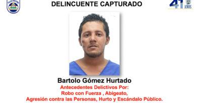 Fotografía del delincuente capturado por la Policía Nacional