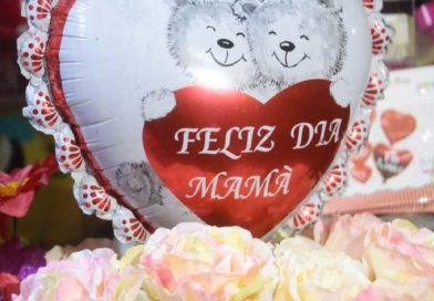 Globo con un oso y flores