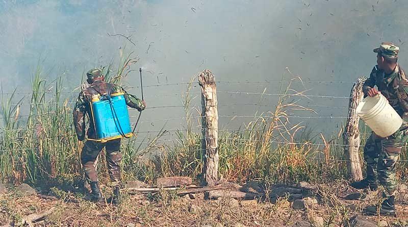 Efectivos militares durante la sofocación de incendio en el departamento de Boaco
