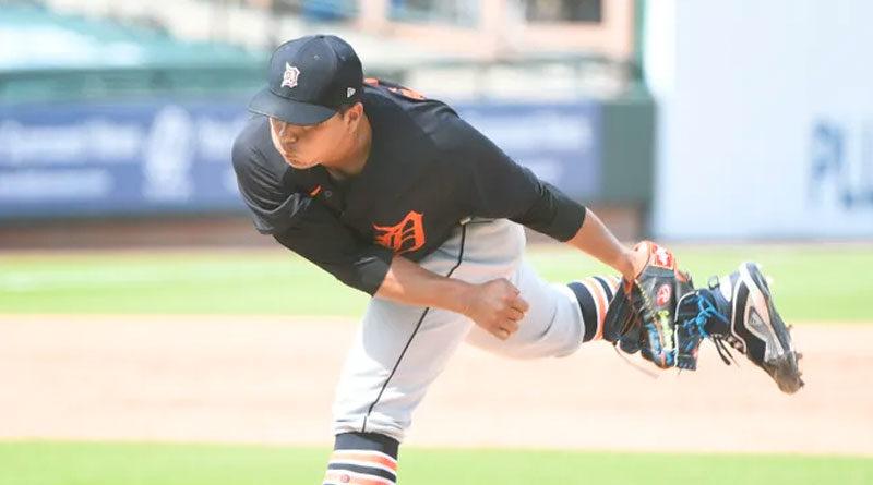 El lanzador de los Tigres, Erasmo Ramírez con los Detroit Tigers en LECOM Park en Bradenton, Florida, el 2 de marzo de 2021.