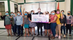 Delegado del MEFCCA en Managua, realiza entrega de financiamiento a emprendedores de Managua