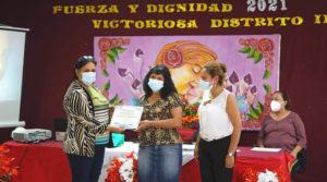 Madres de diversas comunidades fueron reconocidas por el MINED
