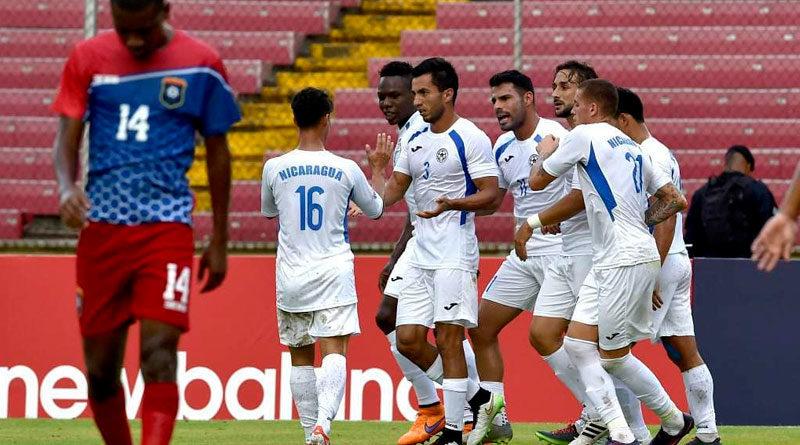 Jugadores de la Selección de Nicaragua durante un juego de CONCACAF.