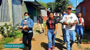 Juventud Sandinista realizó la entrega de los paquetes a héroes y mártires en el distrito 7 de Managua