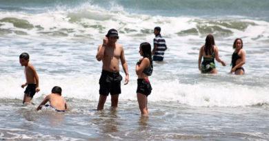 Turistas en las playas de Pochomil y Masachapa de Managua