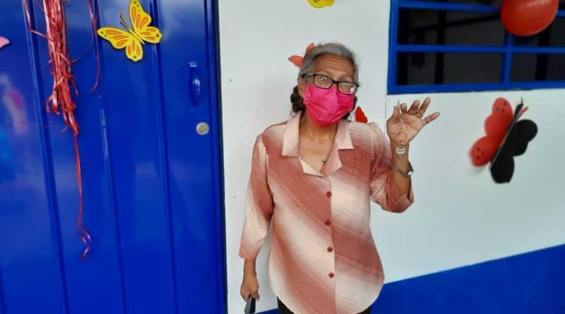 Doña María del Socorro Tenorio García, protagonista de la entrega de una vivienda digna y segura