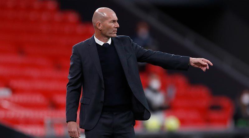 El técnico francés Zinedine Zidane durante un juego con el Real Madrid.