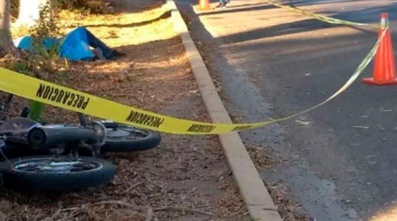 Motociclista fallece tras impactar con camión en el Triángulo Minero
