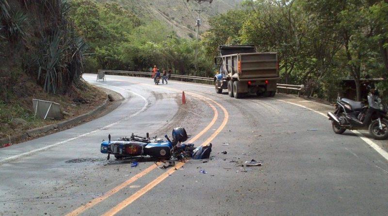 Fallecieron 2 motociclistas y un pasajero en accidentes de tránsito en Santa María de Pantasma, Jinotega y en Nagarote, León.