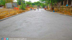 Calle que construye la Alcaldía de Managua en el barrio Oscar Turcio