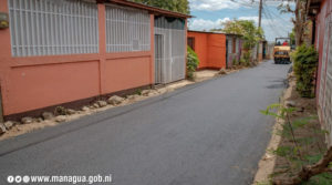 Alcaldía de Managua asfalta calles del bario 19 de febrero