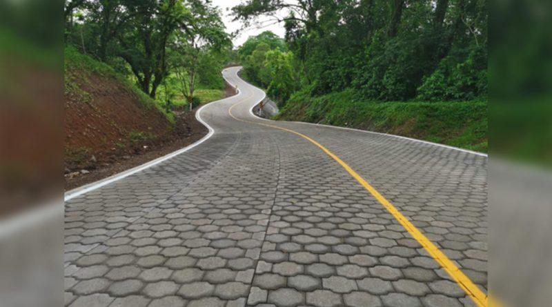 carretera adoquinada Río Blanco-Bocana de Paiwas