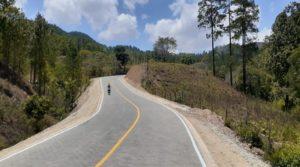 Carretera adoquinada entre Ococona y Cualiguate en Macuelizo