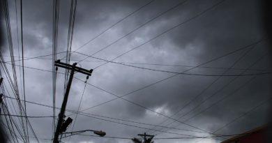 Este viernes el cielo permanecerá nublado, aunque estará caluroso y con probabilidad alta de lluvias por la tarde.
