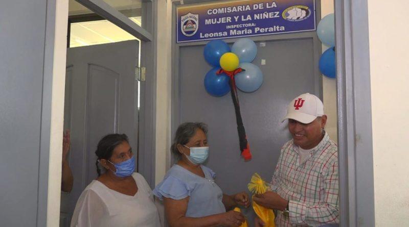 Mujeres de Nueva Segovia durante inauguración de Comisaría de la Mujer