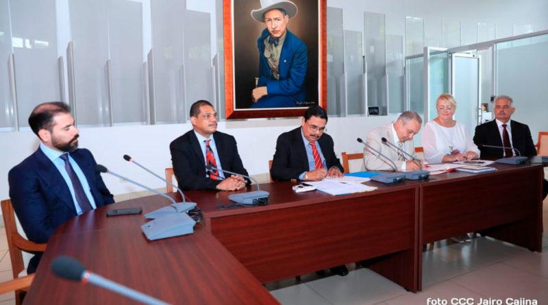 Delegación de alto nivel de Crimea con funcionarios del Gobierno de Nicaragua