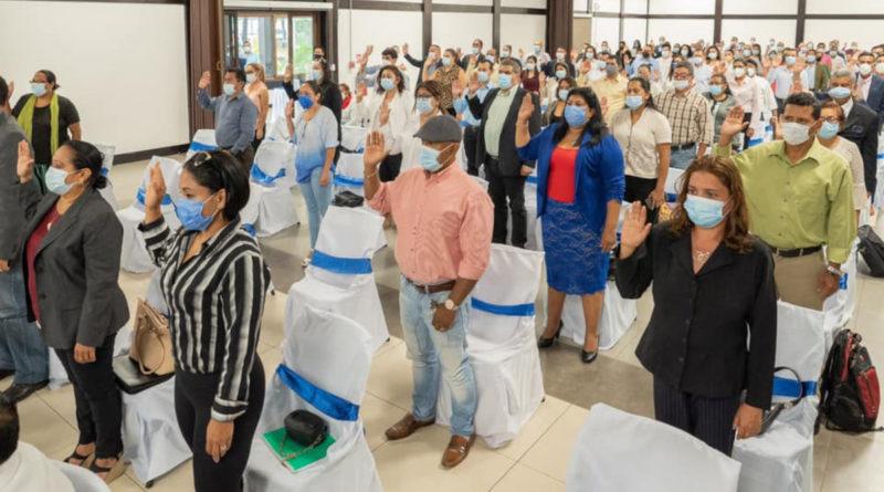 Consejo Supremo Electoral de la República de Nicaragua, cumpliendo con el Calendario Electoral 2021, juramentó este domingo 06 de junio a los 102 cargos, entre propietarios y suplentes, de los 15 Consejos Electorales Departamentales y 2 Regionales.