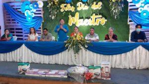 Maestros de Chinandega durante el acto realizado por el Ministerio de Educación